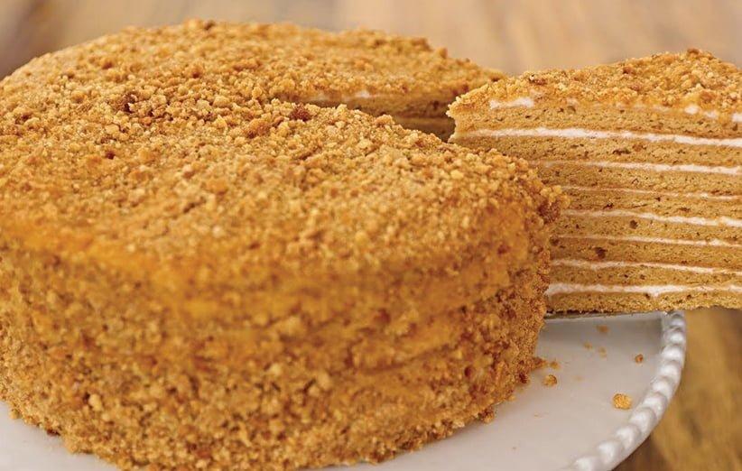 کیک لایه ای عسلی روسی